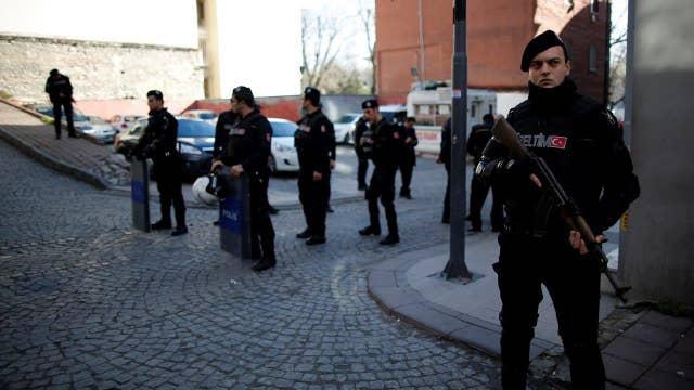 Explosion rocks major tourist area in Istanbul