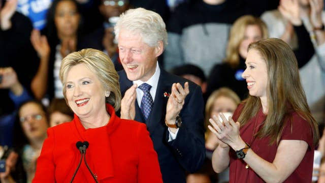 Clinton wins 6 Iowa precincts by coin toss