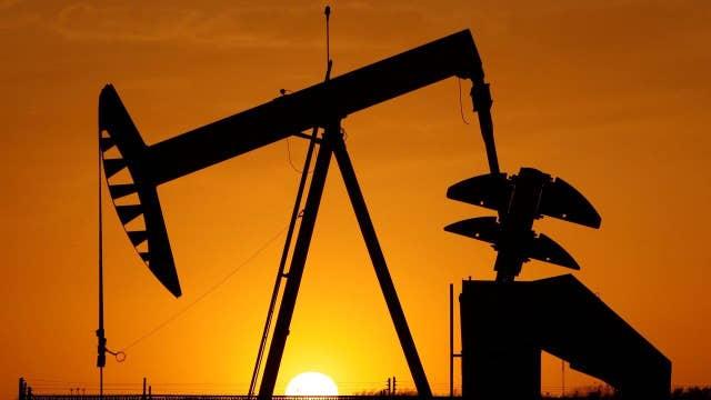 Saudi Arabia, Russia agree to freeze oil output
