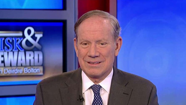 Pataki: It's up to Apple to follow the law when a court orders it
