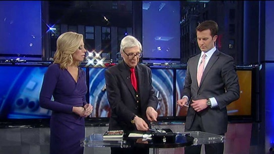 The Amazing Kreskin unveils his Super Bowl prediction