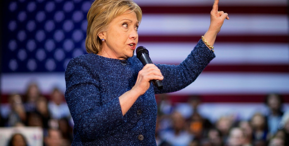 Fox News projects Hillary Clinton wins the Democratic primary in South Carolina.