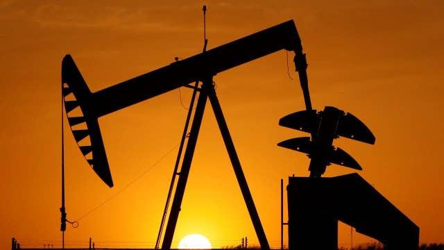 Obama calls for $10 per barrel oil tax