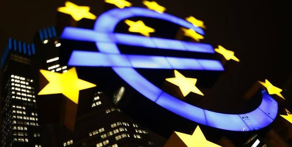 Mendon Capital Advisors President Anton Schutz on the impact of the European Central Bank cutting its refinance rate and the bank stocks that should be on investors' radar.