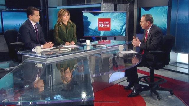Petraeus: I think Hillary Clinton is being treated fairly