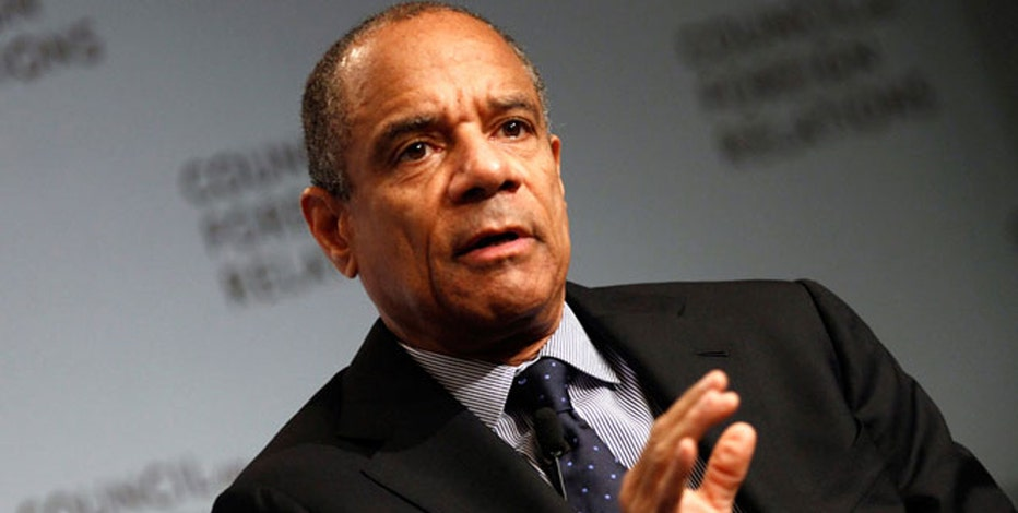 FBN's Charlie Gasparino reports that AmEx CEO Ken Chenault is on thin-ice amid poor company performance.