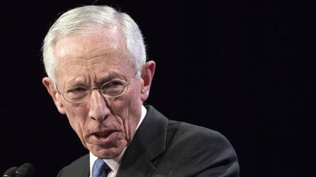 Fed's Fischer signals rate hike