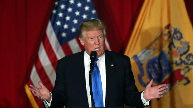 Trump passes Clinton in polling average