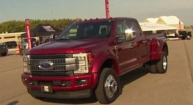 Ford unveils latest 2017 Super Duty truck
