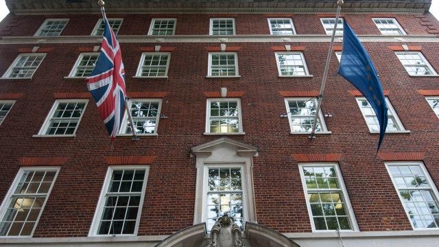 Browne: U.K. wouldn't take a big hit by leaving EU