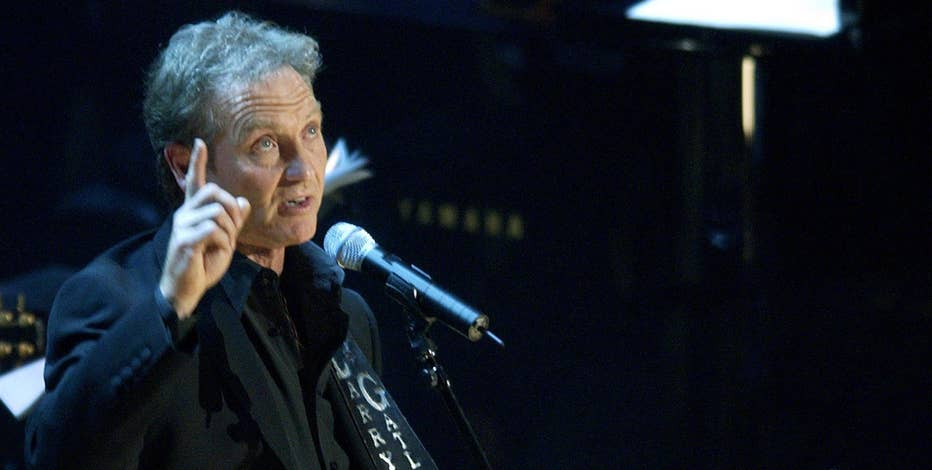Country Star Larry Gatlin discusses what he likes about Donald Trump.