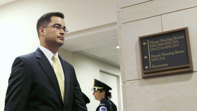 Why fmr. Clinton aide to plead the Fifth Amendment