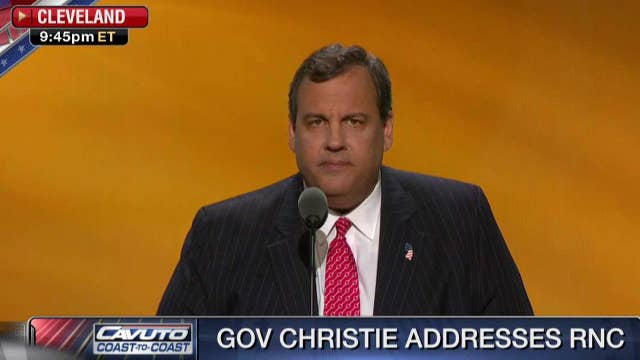 Christie: I welcome opportunity to hold Clinton accountable