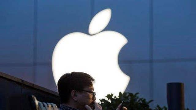 Investors brace for weak Apple 3Q earnings