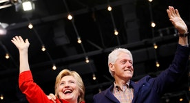 Lawmakers call for Clinton Foundation to close