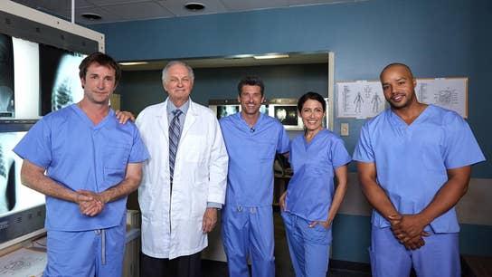 "Donald Faison talks ""Scrubs,"" Saving Lives & Plays Operation!"