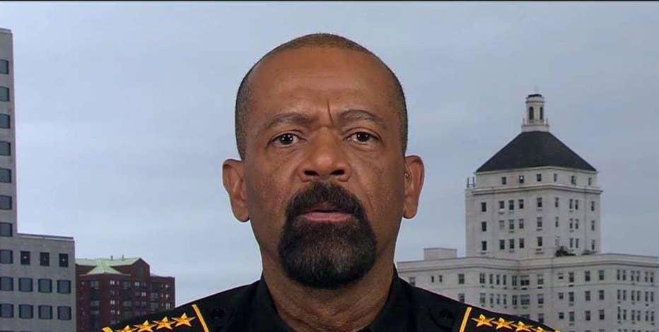 Milwaukee Sheriff David Clarke on subduing a rowdy passenger on flight.