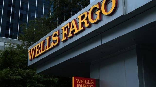 Should Wells Fargo CEO resign?