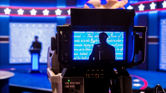 What is the role of a debate moderator?