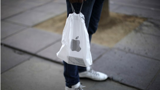 What's driving Apple's holiday outlook?