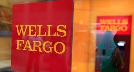 Fmr. Rep. Kucinich on retirement of Wells Fargo CEO Stumpf