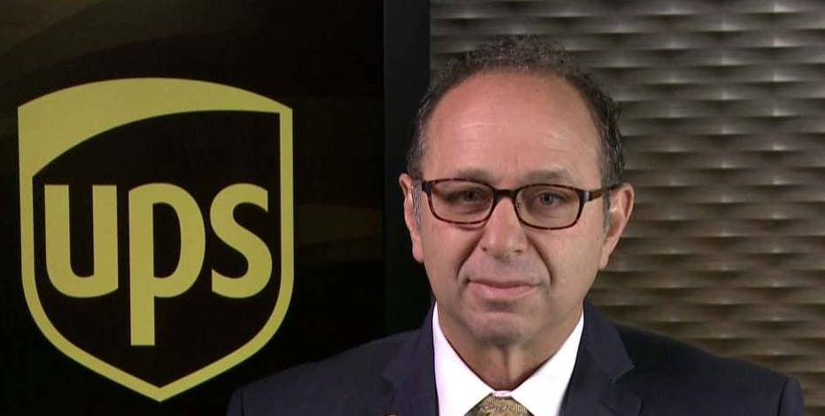 UPS CFO Richard Peretz weighs in on the U.S. economy and the company's holiday season outlook.