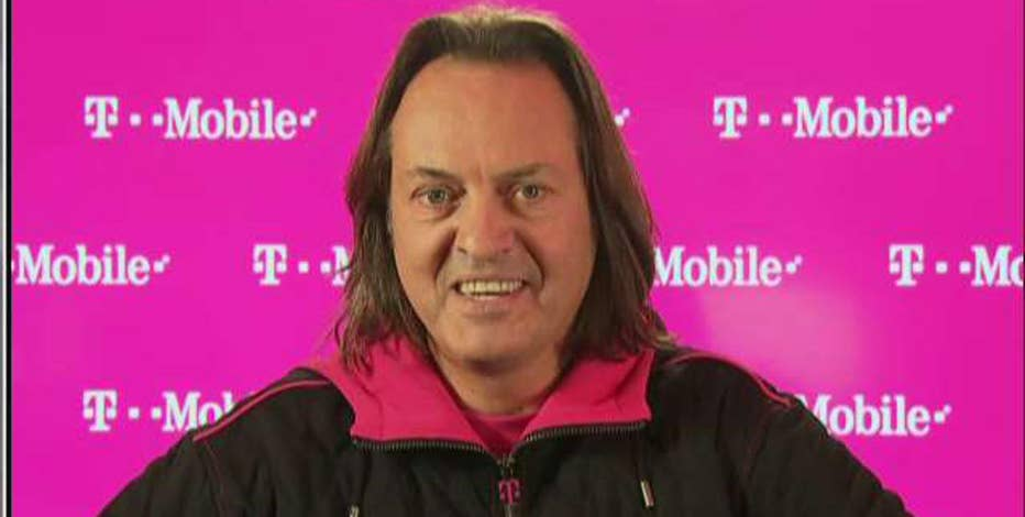 John Legere, T-Mobile USA CEO, comments on the Samsung Galaxy Note drama, Google's Pixel, and how he uses social media to interact with customers.