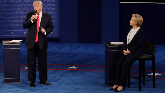Trump threatens to have special prosecutor examine Clinton email scandal