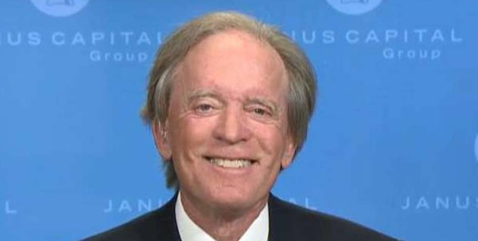 Janus Capital portfolio manager Bill Gross on President-elect Trump's economic policies and the bond market.