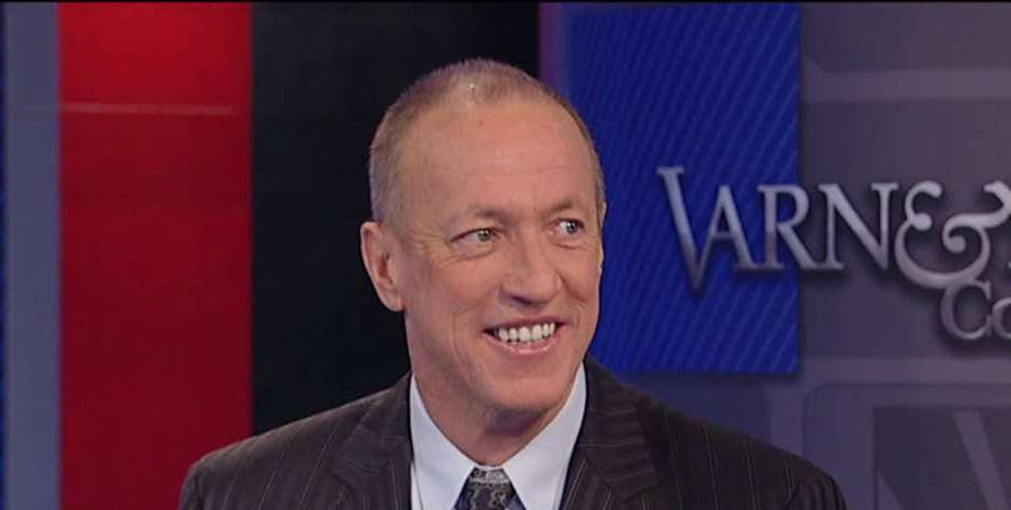 NFL Hall of Fame quarterback Jim Kelly on his battle with cancer and President Trump.