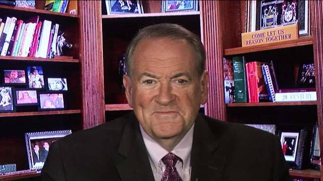 Huckabee: Chuck Schumer is either ignorant or a liar