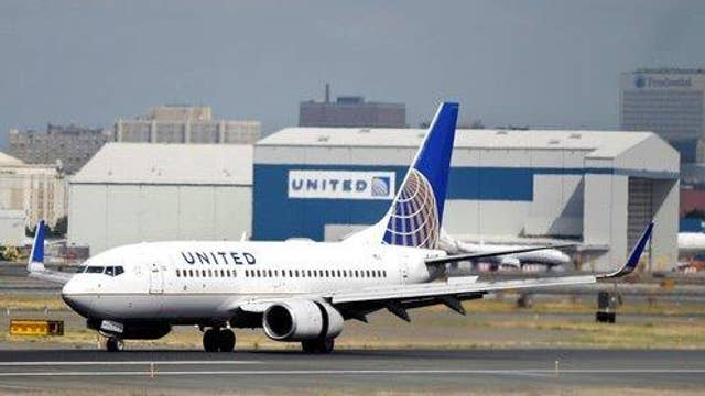 United Airlines under fire after barring girls wearing leggings