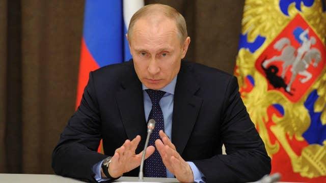 DNC chair: Donald Trump, Vladimir Putin were in cahoots