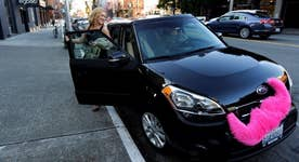 Lyft benefiting from Uber management chaos?