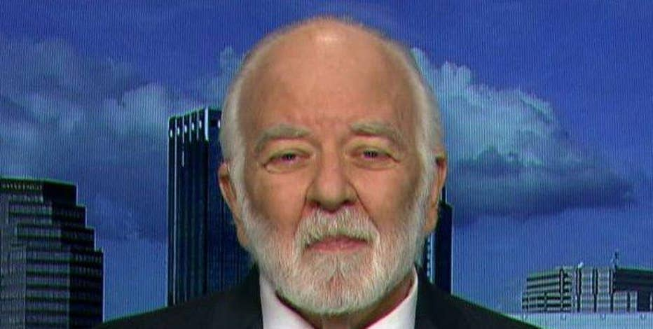 Rafferty Capital Markets Banking Analyst Dick Bove discusses his outlook for banks and the economy.