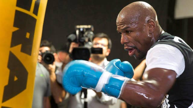 Mayweather spars with the IRS