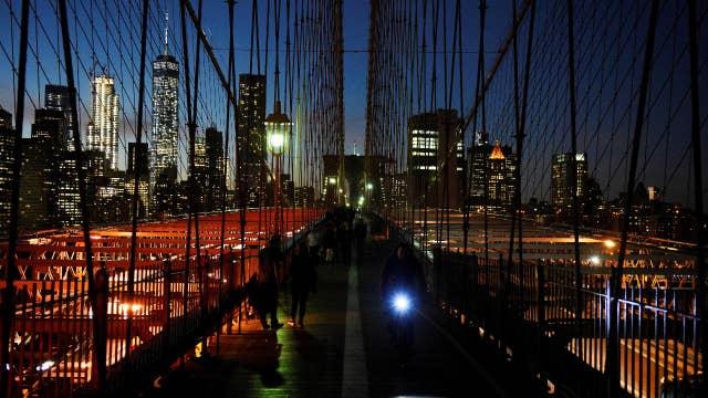 Secret App Makes New York Skyscrapers Change Color On