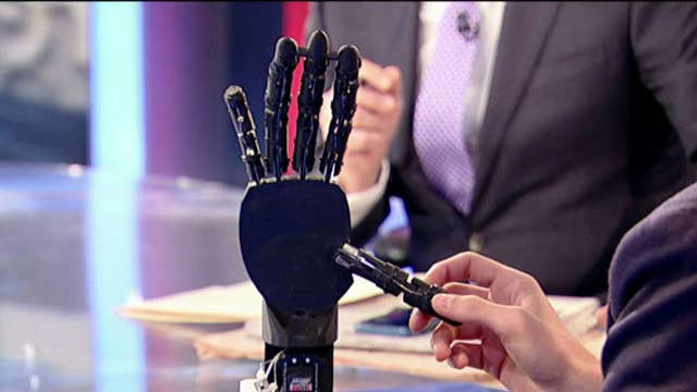 Teen innovator creates cheap prosthetic hand with hopes of helping veterans