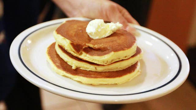 IHOP celebrates Veterans Day with free pancakes, donations