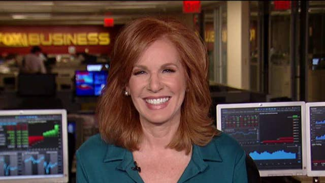 Liz Claman Receives Honor From Building Homes For Heroes