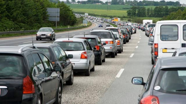 Thanksgiving holiday travelers facing crowded highways