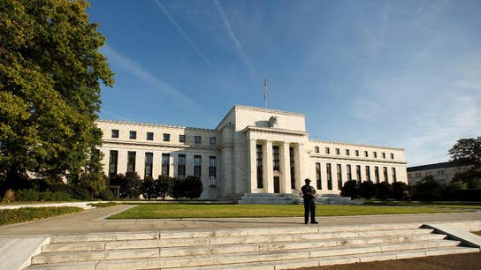 Fed sees few signs of wage growth, believes wages will pick up with jobs