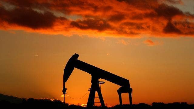 Oil supply should continue to outweigh demand: Stephen Schork