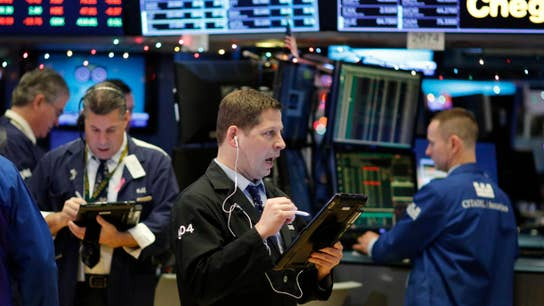 Stocks close lower as Apple sell-off hits Dow