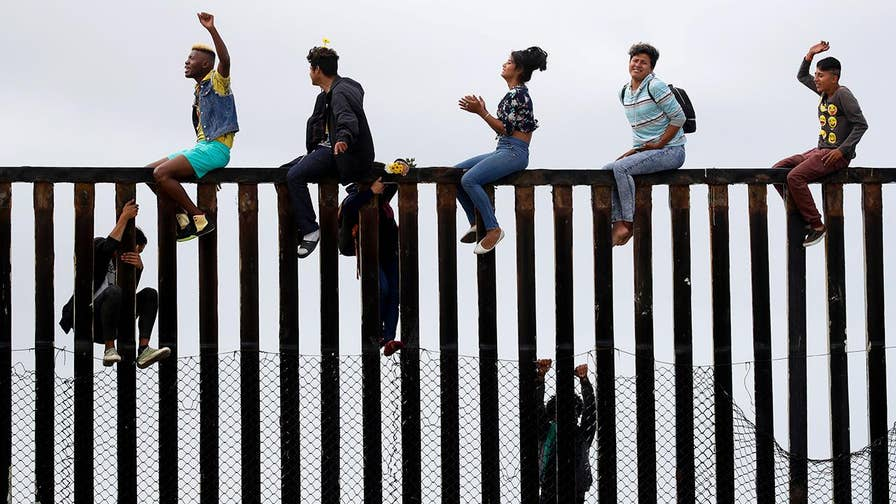 FBN's Kennedy on the arrival of the migrant caravan at the southern border.