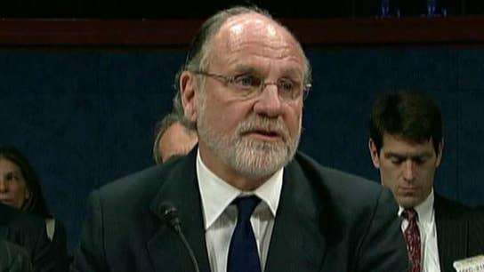 Jon Corzine spent past year pitching new hedge fund: Sources