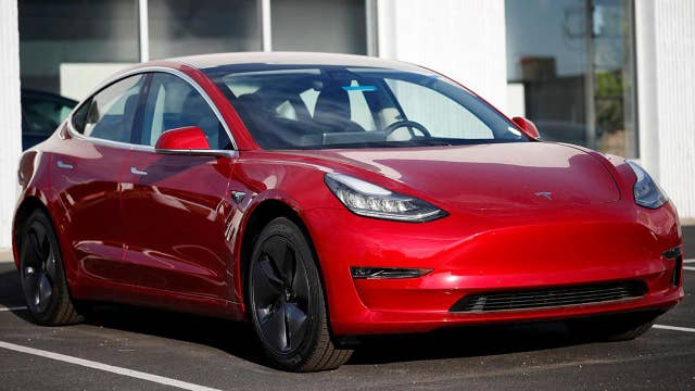 Impatient drivers reportedly cancelling Tesla Model 3 orders