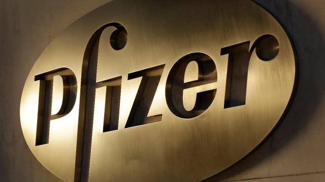 Pfizer 2Q earnings top estimates