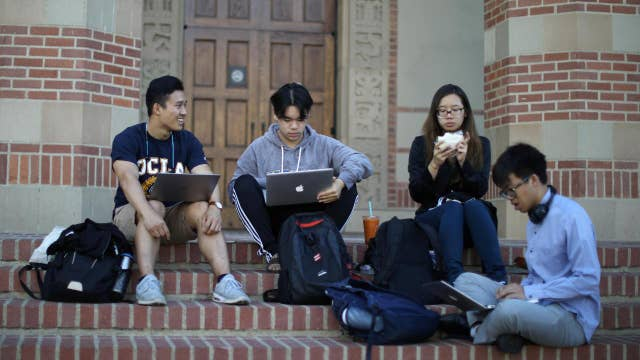 Using AI to improve your college education