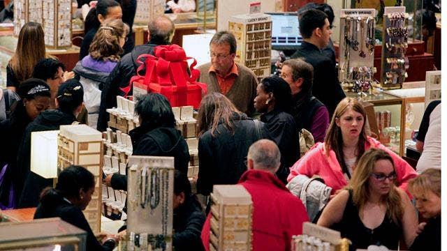 US retailers struggle to find workers before holidays